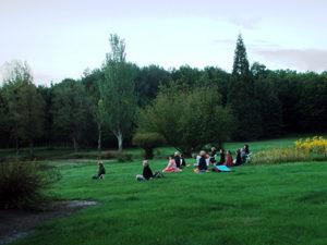 Méditation dans le parc